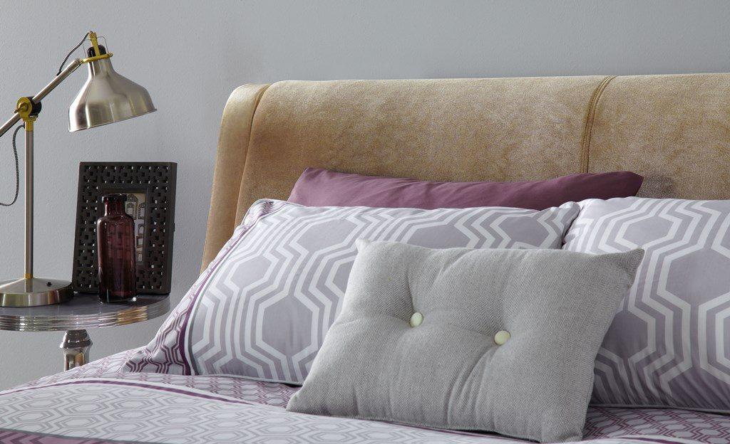 Cheska Bed